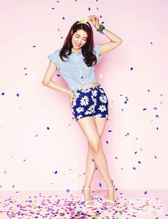 Park shin hye: not my favorite but I wanna do pics like this with pastel colors and fun