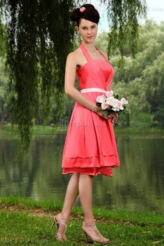 Buy coral red empire halter sashes knee length bridesmaid dama dresses from dama dresses for quinceanera collection, halter top neckline short in red color,cheap taffeta dress with zipper back and for sweet 16 quinceanera wedding party . Western Bridesmaid Dresses, Beautiful Bridesmaid Dresses, Bridesmaid Dress Styles, Glitz Pageant Dresses, Quinceanera Dresses, Homecoming Dresses, Dresses For Graduation Ceremony, Ceremony Dresses, Dama Dresses