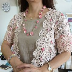 Mr. Hatakeyama of today!  Necklace and bracelet in three pieces of bolero, It is wonderful ~ (^^) There are still more seatings on the 4th Friday tatting lesson.  Please try experiencing Mr. Hatakeyama 's lesson familiar with free lessons!  # Tatting race # Tatting race classroom # Mr. Hatakeyama Yoko