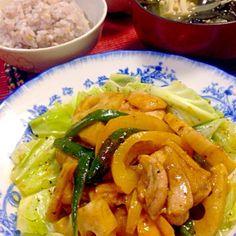 鶏肉、蓮根、パプリカ、ピーマンのカレー炒め。わかめ、えのき、タマネギのおみそ汁、高菜納豆(*^_^*) - 30件のもぐもぐ - タンドリーチキン風 by machiko