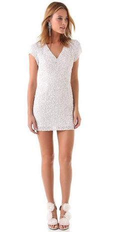 sparkle it well..... love dress and shoes..