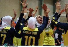 پیروزی بانوان والیبالیست مقابل اتریش  http://1vz.ir/132767  @1Varzesh  تیم ملی والیبال بانوان ایران امروز (یکشنبه) در دیداری دوستانه و تدارکاتی موفق به شکست تیم ملی اتریش شد.          به نقل از سایت فدراسیون والیبال، تیم ملی والیبال بانوان ایران خود را برای حضور شایسته در پنجمین دوره جام کنفدراسیون زنان آسیا آماده میکند و این تیم از دوم مرداد ماه اردوی برون مرزی خود را در کشور اسلوونی آغاز کرده است.   ملیپوشان ایران امروز (یکشنبه) در دومین مسابقه دوستانه و تدارکاتی خود با ..