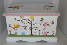 Baby Keepsake Box Chest Memory Box personalized - Woodland animals - baby girl personalized shower g Baby Keepsake, Keepsake Boxes, Painted Toy Chest, Hand Painted, Wooden Toy Boxes, Decoupage Tutorial, Baby Box, Personalised Box, Pillow Box