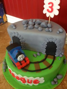 Sugar Love Cake Design: Thomas the Train