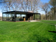 The Philip Johnson Glass House Considered an essay in minimalism, in terms of structure, geometry, proportion, transparency and reflection. It is also an example of one of the earliest uses of glass and steel in home design. Beautiful Architecture, Interior Architecture, Uses Of Glass, Philip Johnson Glass House, Louis Kahn, Glass House Design, Connecticut, Farnsworth House, Architect House