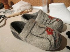 Felted Slipper Tutorial Using Ear Shaped Resist by Nada V. Posted on March 3, 2014	 by ruthlane