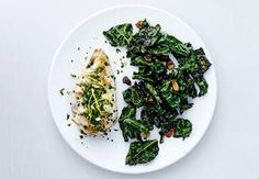 Sund aftensmad på max 30 minutter   Iform.dk Collard Greens, Easy Food To Make, Seaweed Salad, Palak Paneer, Feta, Green Beans, Risotto, Chicken Recipes, Spicy