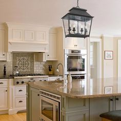 Looking for for ideas for farmhouse kitchen? Check out the post right here for perfect farmhouse kitchen ideas. This cool farmhouse kitchen ideas seems superb. Classic Kitchen, Old Kitchen, Rustic Kitchen, Kitchen Decor, Minimal Kitchen, Kitchen Modern, Eclectic Kitchen, Ivory Kitchen, Kitchen Interior