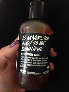 SOLD ON EBAY 1/21/15-LUSH B Never To Busy To Be Beautiful, 250g. Limited edition, brand new from the kitchen. $25 shipped. 1 available. Lush Cosmetics, Handmade Cosmetics, Natural Cosmetics, Body Spa, Bath And Body, Lush Aesthetic, Bath And Shower Products, Baby Bath Time, Ebay 1