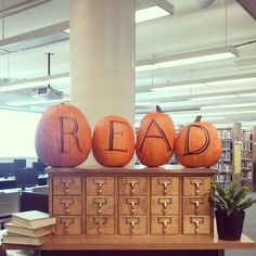 "in love with your library - READ! (Olney Central College - Anderson Library)""Fall"" in love with your library - READ! Middle School Libraries, Elementary School Library, School Library Decor, Library Girl, Library Corner, Mini Library, Class Library, Future Library, Library Science"