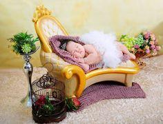 Đạo cụ chụp ảnh bé: Ghế sofa Bassinet, Cute Babies, Super Cute, Baby, Baby Crib, Newborns, Cot, Baby Baby, Infants