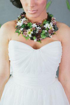 Floral necklace: http://www.stylemepretty.com/2015/02/17/winter-florals/ | Photography: Mioara Dragan Photography - www.mioaradragan.com/weddings