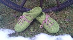 Green felted slippers by MarienWool on Etsy
