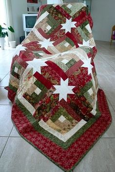 Creative Log Cabin Blocks Sparkle in This Quilt. Log Cabin Hidden Stars Quilt - Quilting Digest