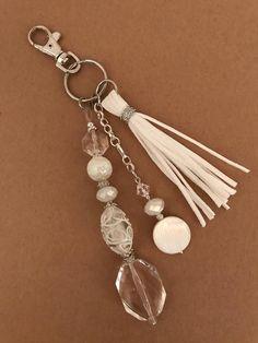 Items similar to Keychain, beaded keychain, zipper pull, bag accessory on Etsy Diy Keychain, Tassel Keychain, Beaded Jewelry, Handmade Jewelry, How To Make Beads, Handbag Accessories, Jewelry Crafts, Jewelery, Jewelry Design