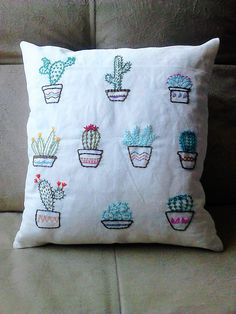 Cactus Embroidery, Hand Embroidery Patterns, Embroidery Art, Cross Stitch Embroidery, Embroidery Designs, Embroidery On Clothes, Diy Pillows, Needlework, Sewing Projects