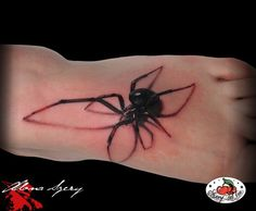 I hate spiders and I would never do this but that artist is amazing!