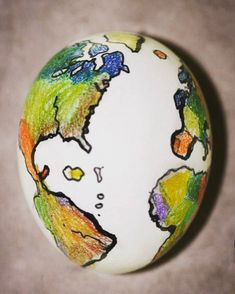 Smart Way To Draw Map On #eggs For #easter #decoratedeggscrafts #eastereggcraft