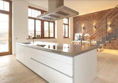 746656-cuisine-moderne-cuisine-avec-ilot-blanche.jpg (671×475)