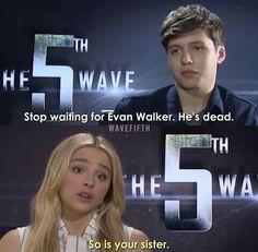 Cassie and Ben #5thwavemovie ooooooooh ouch