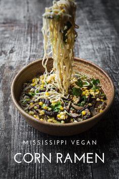 This corn ramen is bursting with buttery corn flavor. Using a powerhouse combination of herbs and spices, dried mushrooms, fresh corn on the cob. Ramen Recipes, Veggie Recipes, Vegetarian Recipes, Vegetarian Diets, Vegetarian Cooking, Dinner Recipes, Vegan Ramen, Vegan Soups, Vegan Meals
