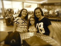 Com as sobrinhas lindas Maria e bel.  Fashion Mall - Suddog - Roberta Udbrack - @robertaudbrack