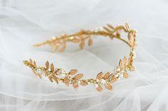 Wedding Tiara Veil, Wedding Tiaras, Wedding Headband, Gold Leaf Crown, Flower Tiara, Flower Crown Wedding, Gold Headpiece, Floral Headpiece, Hair