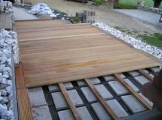 Holzterrasse selber verlegen – Lay the wooden terrace yourself. Lay the wooden terrace yourself – Pallet Patio Decks, Backyard Patio Designs, Backyard Landscaping, Decking, Terrace Floor, Terrace Garden, Garden Spaces, Diy Garden, Pool Garden