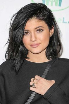 Seen On: Kylie Jenner What: Major Lashes How-To going to need a set of falsies to get seriously long lashes like Jenner's. Black Bob Hairstyles, Bob Haircuts For Women, Long Bob Haircuts, Pretty Hairstyles, Haircut Bob, Layered Hairstyle, 2015 Hairstyles, Pixie Hairstyles, Celebrity Hairstyles
