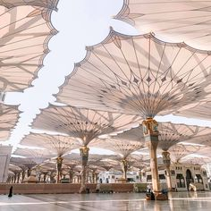 Special – Book 9 days special package with best flights and hotels near to haram both and with accommodation. Mecca Islam, Mecca Masjid, Mecca Wallpaper, Islamic Quotes Wallpaper, Aesthetic Backgrounds, Aesthetic Wallpapers, Islamic Sites, Places To Travel, Travel Destinations