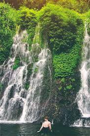 Air terjun Jagir berada di Dusun Kampung Anyar, Desa Taman Suruh, Kecamatan Glagah. Jaraknya tergolong paling dekat dengan pusat kota Banyuwangi ketimbang air terjun di Banyuwangi lainnya. Yakni sekitar 13 kilometer atau kurang dari setengah jam perjalanan.  Air terjun ini memiliki keunggulan, yakni terdapat tiga air terjun di dalam satu kawasan. Dua di antaranya jaraknya sangat berdekatan dan memiliki sebutan yang beragam. Masyarakat sering menyebutnya sebagai air terjun Jagir, air terjun kemba Backpacking, Underwater, Waterfall, Tours, Dormitory, Travel, Outdoor, Outdoors, Backpacker