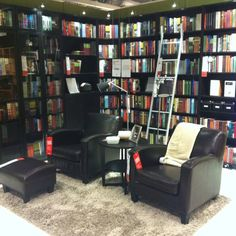 I've never thought of having a library in my house, but this is so cozy! Found @ IKEA