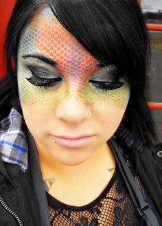 halloween makeup that looks kinda like snake skin defiantly my type of costum!!