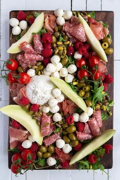 Pickled Eggs, Antipasto Platter, Good Food, Yummy Food, Cheat Meal, Savory Snacks, Party Snacks, Brunch, Dessert Recipes