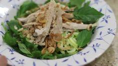 """""""Phở"""" bí ngòi trộn cho người ăn kiêng low carb - http://congthucmonngon.com/77174/pho-bi-ngoi-tron-cho-nguoi-an-kieng-low-carb.html"""