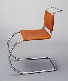 MR Side Chair, Ludwig Mies van der Rohe (American, born Germany, Chrome-plated steel tubing and leather. Museum of Modern Art, New York. *Ludwig Mies van der Rohe and the International style* Bauhaus Furniture, Metal Furniture, Vintage Furniture, Modern Furniture, Furniture Design, Bauhaus Chair, Futuristic Furniture, Vintage Chairs, Ludwig Mies Van Der Rohe