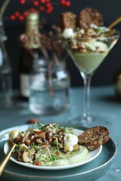 Crostinis aux poivrons and ricotta - Healthy Food Mom Christmas Food Treats, Vegan Christmas, Gourmet Recipes, Vegan Recipes, Tapas Menu, World Recipes, Love Food, Food Print, Entrees