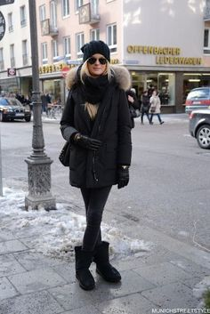 Winterstiefel-Trends Diese Schuhe sind absolute Must-Haves! Winter boot trends These shoes are absolute must-haves! Winter Wear, Autumn Winter Fashion, Mens Winter, Jean Skinny Noir, Parka Outfit, Black Parka, Stylish Winter Outfits, Beige Outfit, Winter Fashion