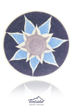 Tintsaba - Handmade sisal basket from Swaziland, Africa. 31cm www.tintsaba.com Crochet Purses, Crochet Yarn, Knitting Designs, Knitting Patterns, Crochet Poncho With Sleeves, Tapestry Crochet Patterns, Pine Needle Baskets, Knitted Bags, Loom Beading
