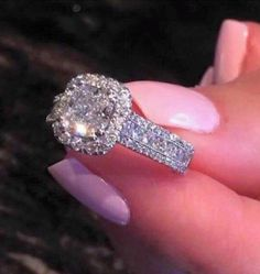 THIS. Future husband, this is E X A C T L Y what I want when you pop the question! <3 Nicki