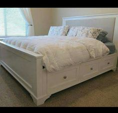 Do It Yourself Divas: DIY: King Size Storage Bed
