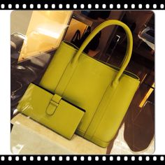 Set of Desino Day tote and wallet in mango leather
