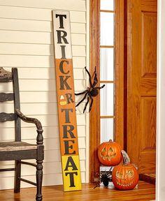 halloween craft idea, Trick or Treat Sign Halloween Wood Crafts, Fairy Halloween Costumes, Halloween Quilts, Halloween Porch, Halloween Projects, Holidays Halloween, Halloween Themes, Fall Crafts, Vintage Halloween