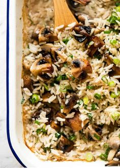 Oven Baked Mushroom Rice - buttery, garlicky, golden brown juicy mushrooms and fluffy rice, all made in one pan in the oven! Vegetarian Chicken, Vegetarian Recipes, Cooking Recipes, Healthy Recipes, Cooking Rice, Vegan Meals, Veggie Recipes, Mushroom Rice, Mushroom Recipes