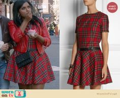 Mindy's red plaid dress on The Mindy Project.  Outfit Details: http://wornontv.net/32012/ #TheMindyProject