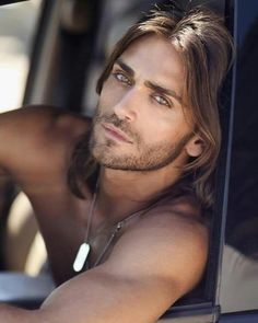 Not sure who this is & usually don't go for the scruff but .... Wow