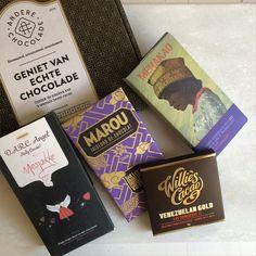 NIEUW NIEUW NIEUW: de special edition puur editie! Met 2 toppers uit de novemberbox van @williescacao en Mesjokke (wat een topbox was dat he ) en een waanzinnige sea salt&nibs van @menakao.chocolat en ook nog eens de nieuwste reep van het prachtige @marouchocolate. Oef wat een selectie! En het beste nieuws? Geen limited edition dus hij blijft voorlopig beschikbaar.  #specialedition #launch #chocolade #nieuw #selectie #cadeau #cadeautip #relatiegeschenk #idee #online #bestellen #webwinkel…