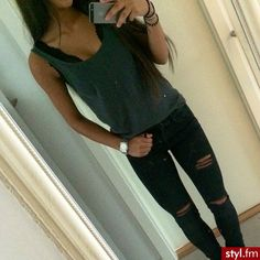 Ripped jeans and tank, love the black ripped jeans!!!