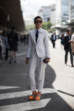Androgynous dressing