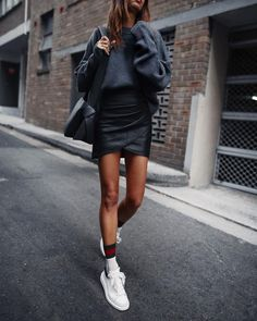 There's something about a leather skirt that always makes an outfit come together. Whether you're heading to work or to a weekend coffee date, below are some leather skirts that are worth adding to your… View Post Fashion Mode, Diva Fashion, Look Fashion, Winter Fashion, Fashion Trends, Mode Outfits, Fall Outfits, Casual Outfits, Fashion Outfits